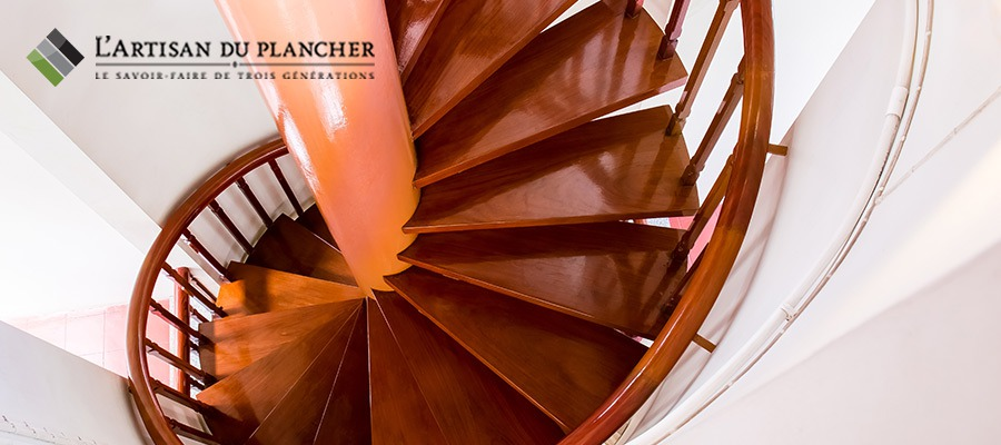 image-lartisanduplancher-sablage-rampe-escalier-bois-montreal-laval-rive-sud-rive-nord
